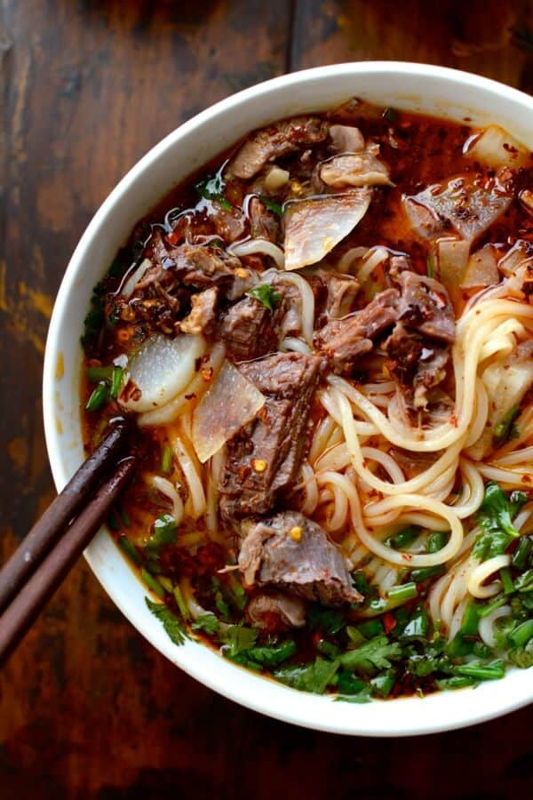 lanzhou-beef-noodle-soup-Chinese street food